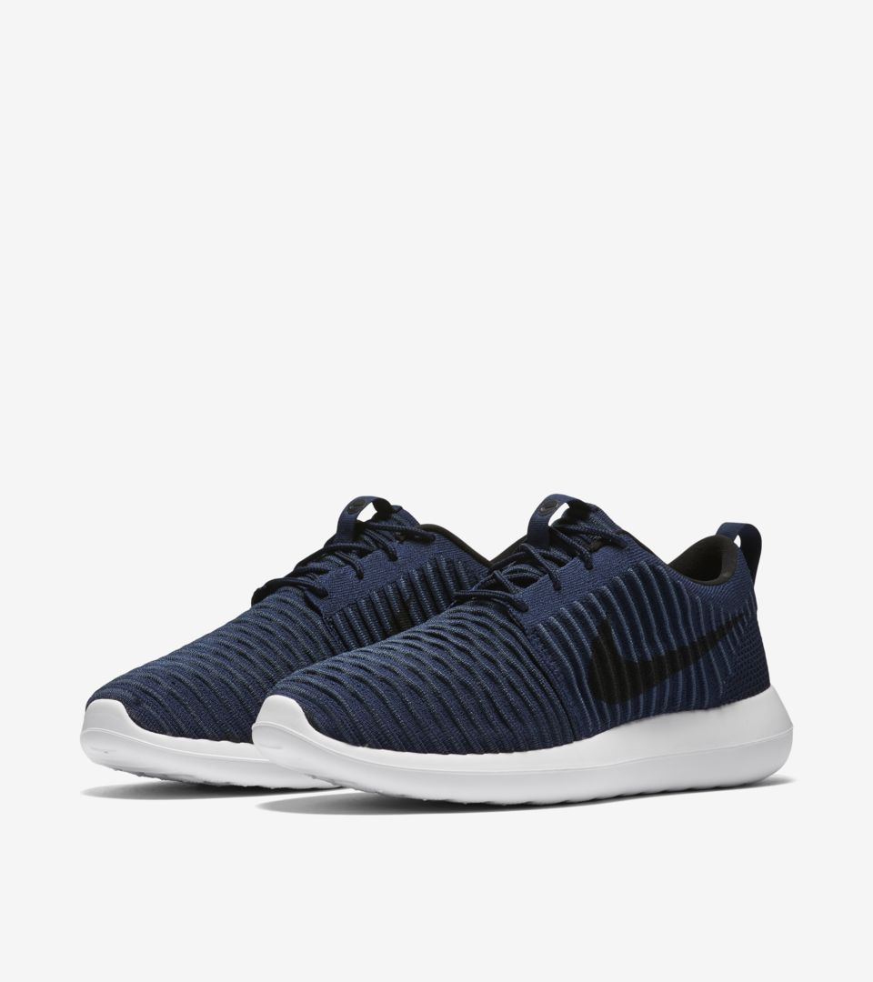cheap for discount 6c524 ff6f2 Nike Roshe 2 Flyknit 'College Navy & White'. Nike⁠+ SNKRS