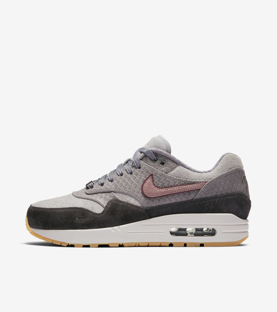 uk store good out x new products AIR MAX 1 PARIS POUR FEMME. Nike SNEAKRS FR