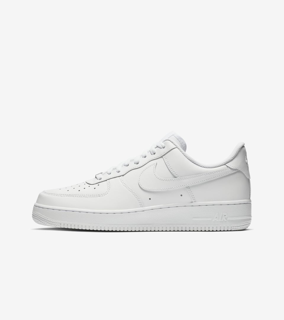 size 40 401d9 c03b3 Nike Air Force 1 Low 'Triple White'. Nike⁠+ SNKRS