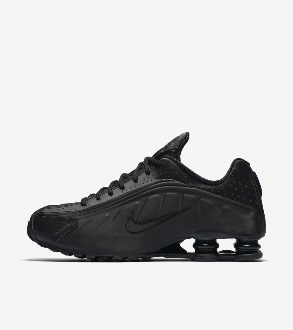 best website fc242 97f98 Nike Shox R4. Triple Black