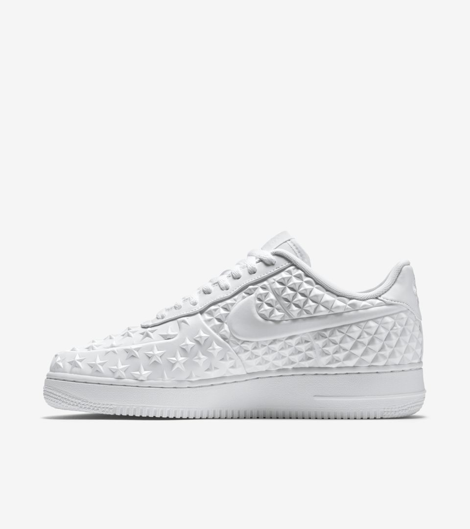 the latest 7de34 283b3 Nike Air Force 1 Low 'Independence Day White'. Nike⁠+ SNKRS