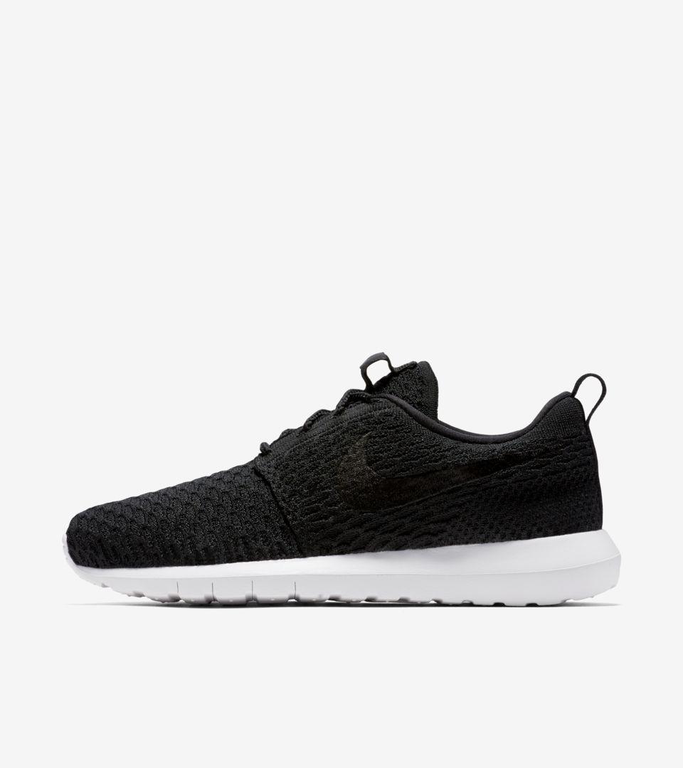 Precipizio Intimo spedizione  Nike Roshe NM Flyknit 'Premium Black'. Nike SNKRS