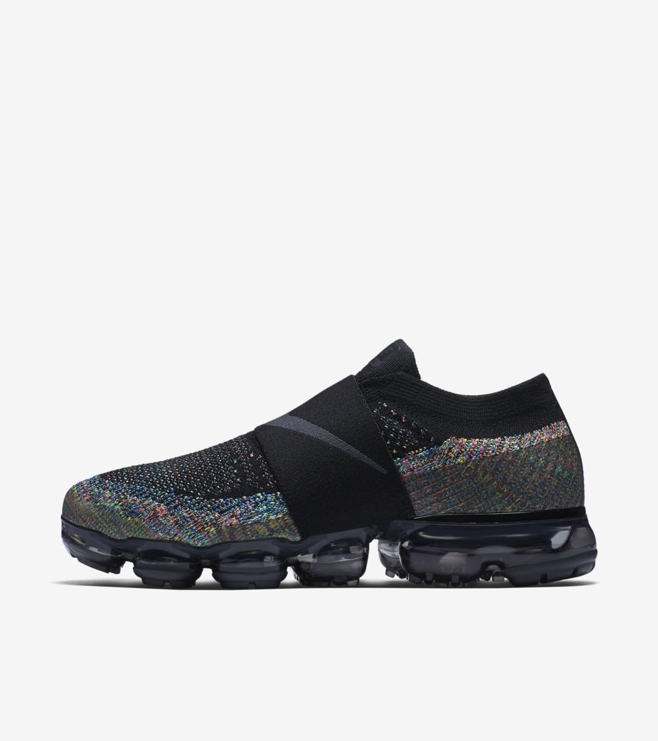 24241fefe040d Cyber Monday 2017  Nike Women s Air Vapormax Moc Multicolor Release ...