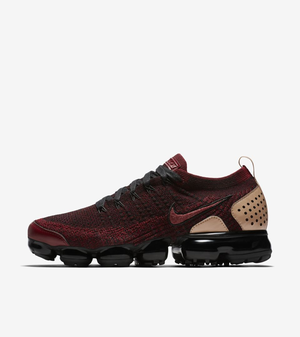 new product 399ee 4490f Nike Air Vapormax Flyknit 2 NRG 'Team Red & Black & Vachetta ...