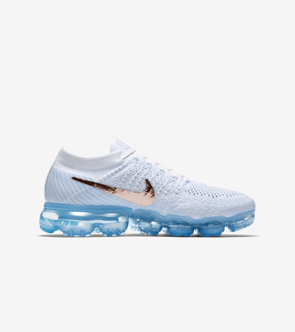 hot sale online 3f2db 5293a Women's Nike Air VaporMax Flyknit 'Summit White & Hydrogen ...