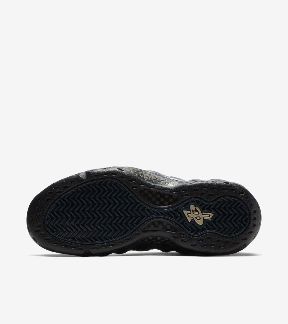 buy online 8fe25 c802e ... Women s Air Foamposite One  Obsidian  ...