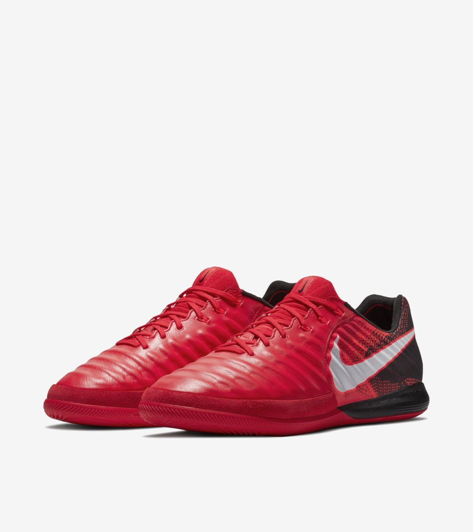 3a5777d9ed83 Nike Play Fire Tiempo X Proximo Nike Play Fire Tiempo X Proximo ...