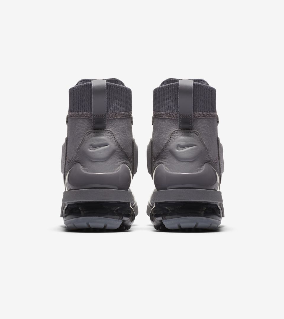 e121257dff Women's Nike Vapormax Light II 'Atmosphere Grey & Gunsmoke' Release ...
