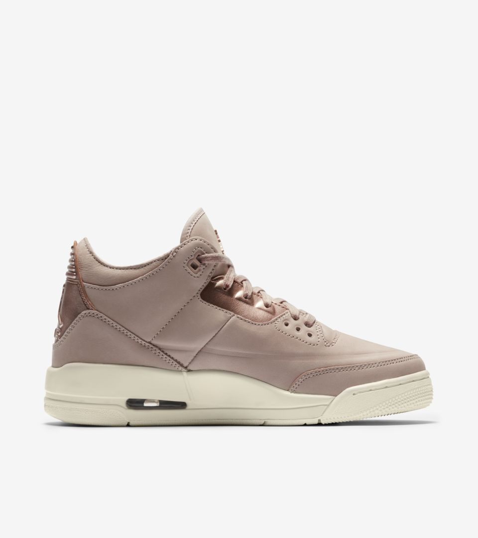 1802e553167e5e Women s Air Jordan 3 Retro  Particle Beige   Metallic Red Bronze ...