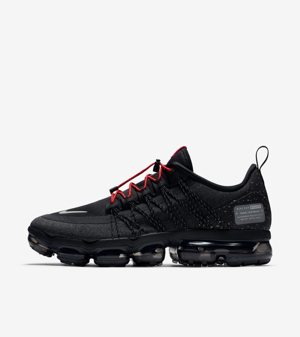 Nike Air Vapormax Run Utility  Black   Anthracite   Habanero Red  Release  Date. Nike+ SNKRS b4471059e