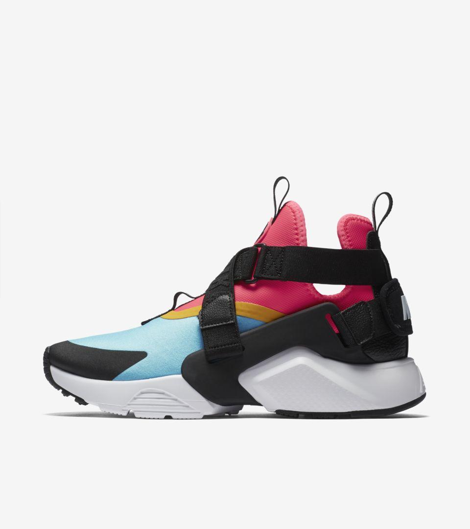 huge discount 14b74 66446 Nike Women's Air Huarache City 'Bleached Aqua & Racer Pink ...