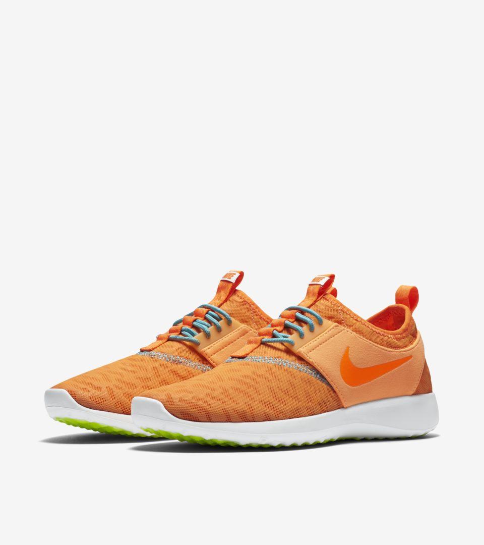 Nike Juvenate 'Peach Cream'. Nike SNKRS