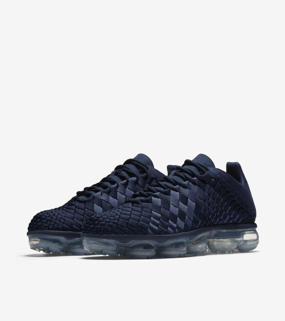 81feb1ddfad62 Nike Air Vapormax Inneva  Midnight Navy   Metallic Silver  Release ...