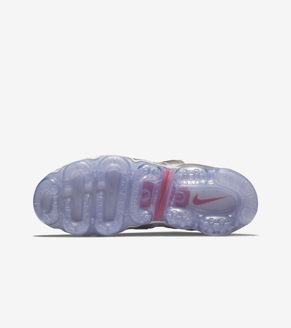 6fc2b1a0da8af Nike Air Vapormax Utility  Moon Particle   Persian Violet  Release ...