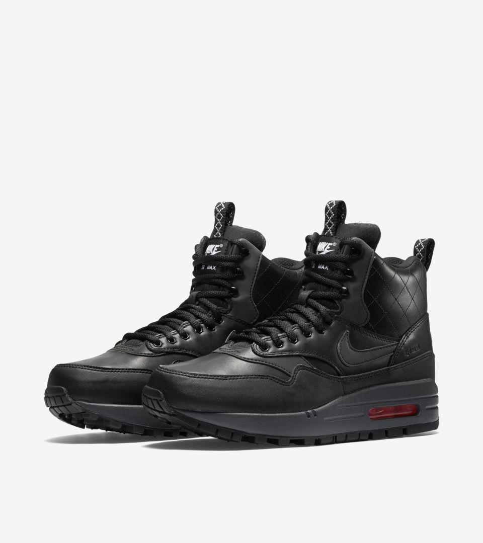 official photos 492b5 da7c5 Women's Nike Air Max 1 Sneakerboot 'Black & Menta'. Nike+ SNKRS