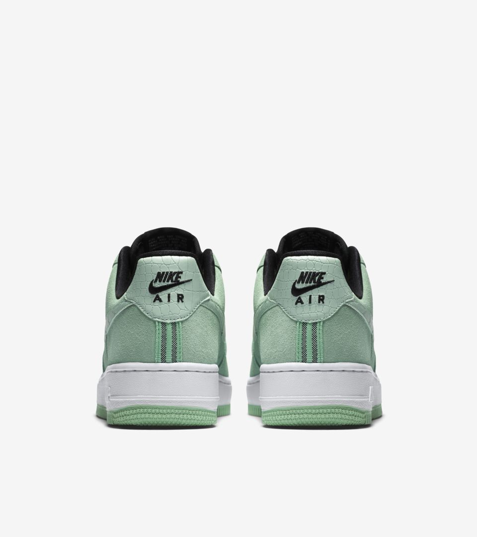 competitive price a72c1 a633c WMNS AIR FORCE 1