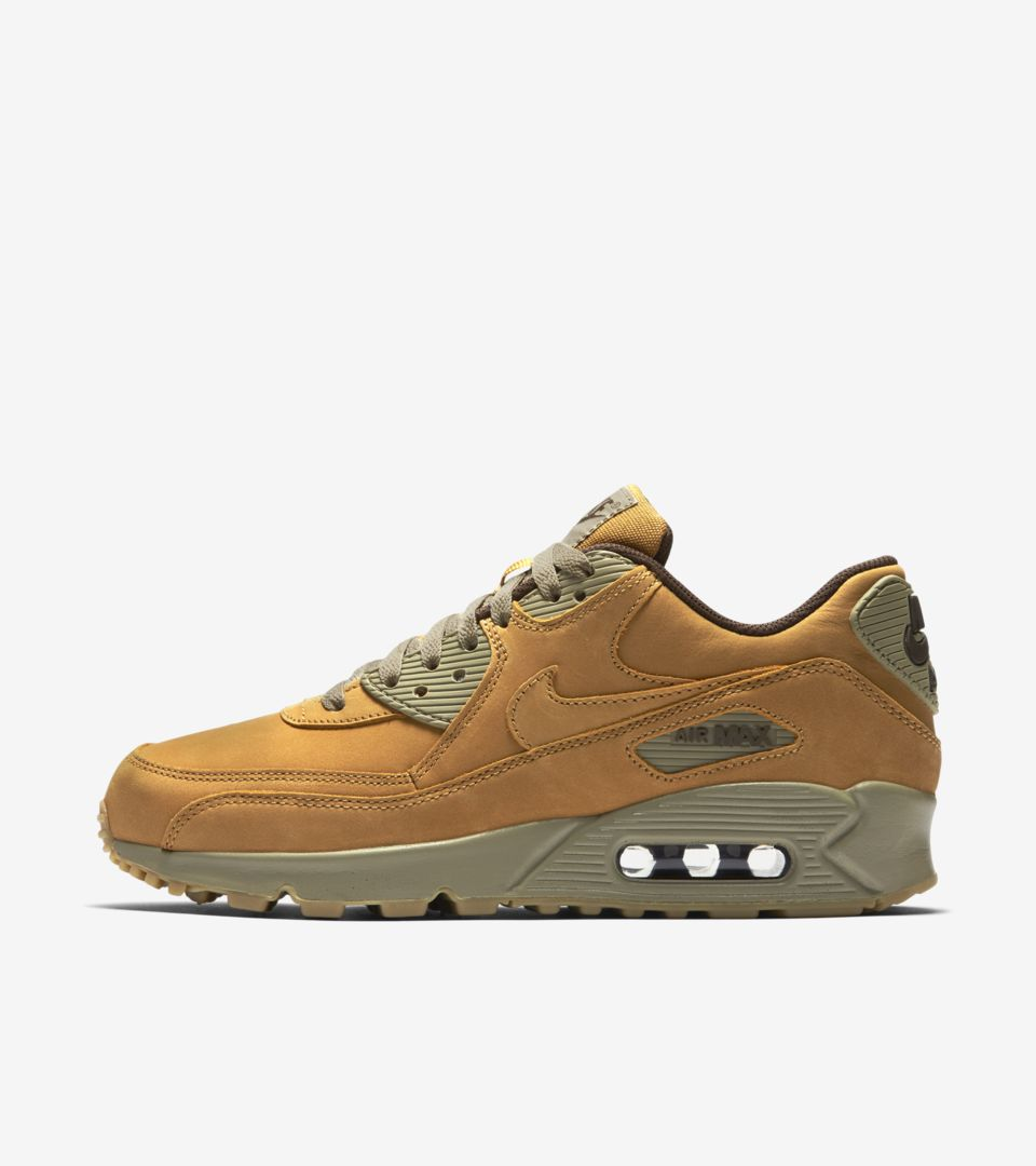 Women's Nike Air Max 90 Winter 'Bronze & Bamboo'. Release
