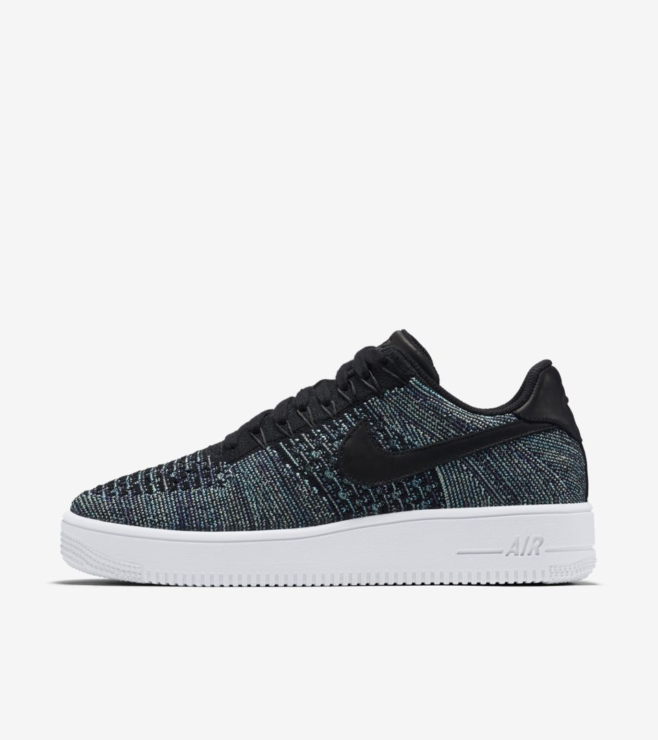 483d2c340bd28 Nike Air Force 1 Low Flyknit  Vapour Green  amp  Black . Nike⁠+ ...