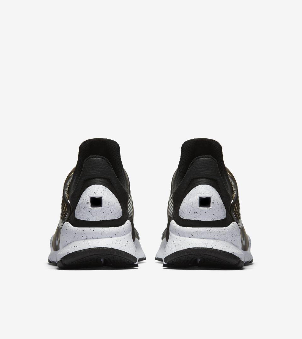 cheap for discount 1c4e8 bc2f3 Women's Nike Sock Dart Premium 'Black & White' 2017. Nike+ ...