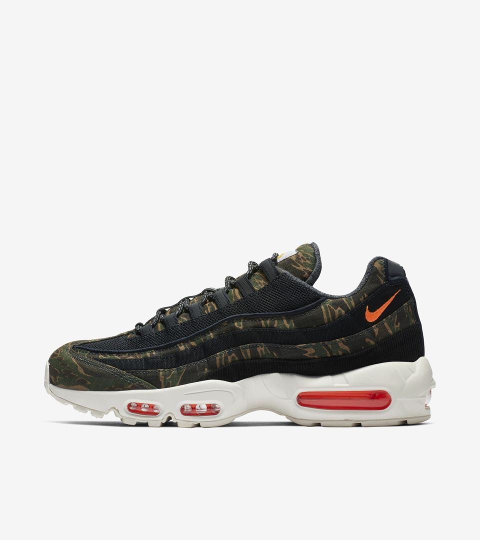 149e9b53019d85 Nike Air Max 95 Carhartt WIP  Black Sail   Total Orange  Release Date.. Nike⁠+  SNKRS