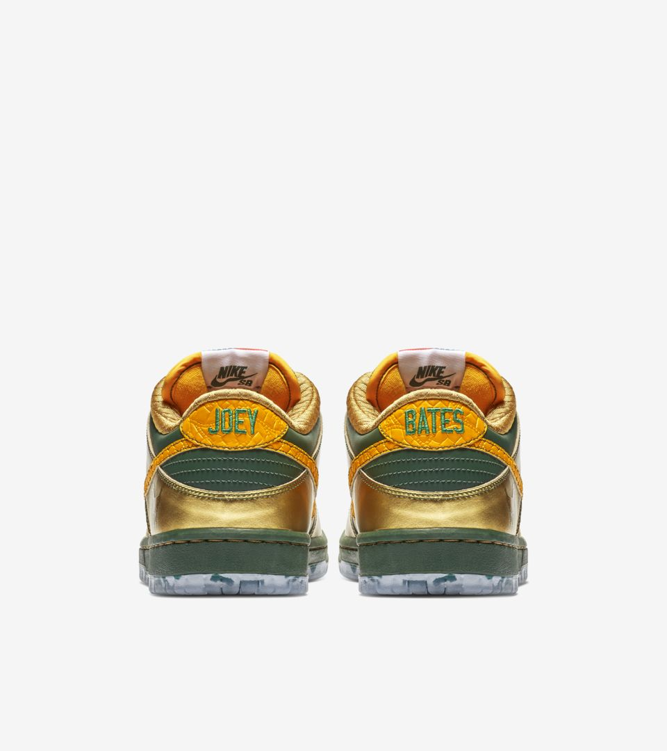 check out d3cd8 798b8 Nike SB Dunk Low Pro 'Doernbecher Freestyle' 2018 Release ...