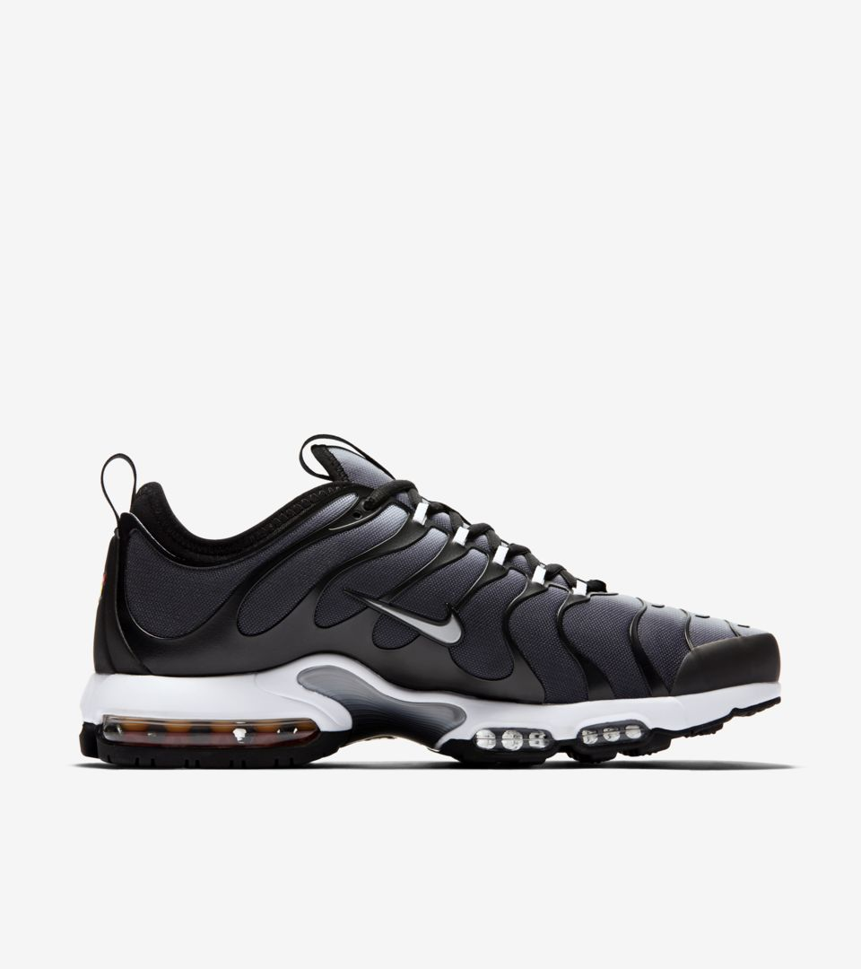 size 40 e175d 0fae6 Nike Air Max Plus TN Ultra 'Black & Wolf Grey' Release ...