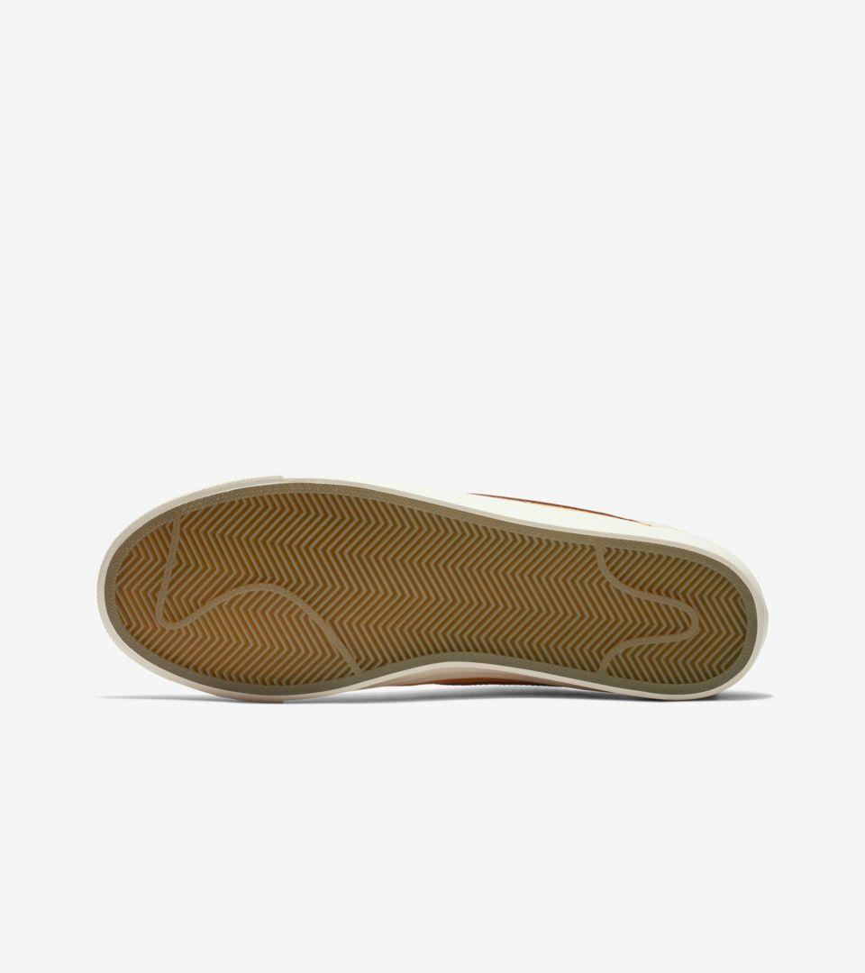 6203b79b5b2 ... Nike SB Zoom Blazer Low  Bruised Peach  Release ...
