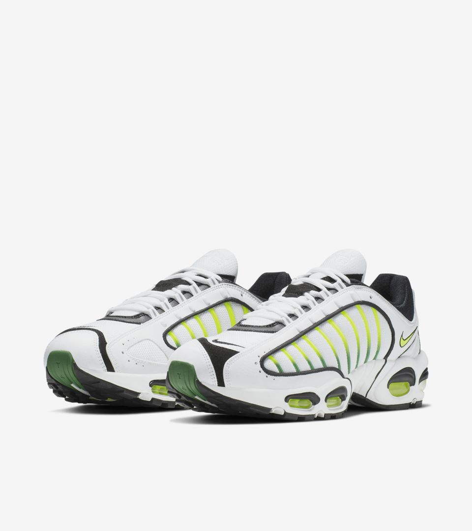 official photos c8bb6 8e0c6 Air Max Tailwind IV  OG  Release ...