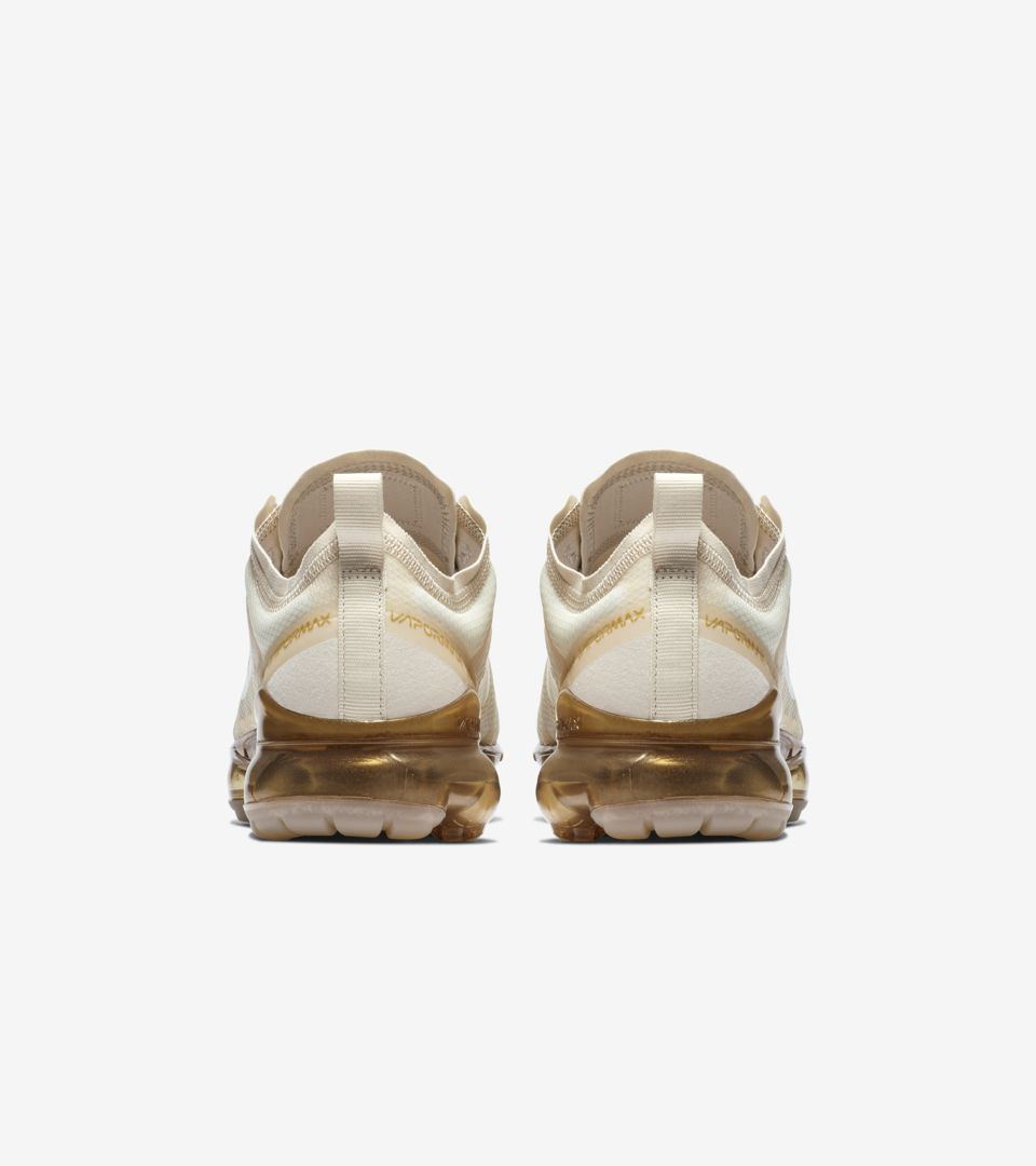 e85f1b8b92e276 Women s Nike Air Vapormax 2019  White   Metallic Gold .. Nike⁠+ SNKRS