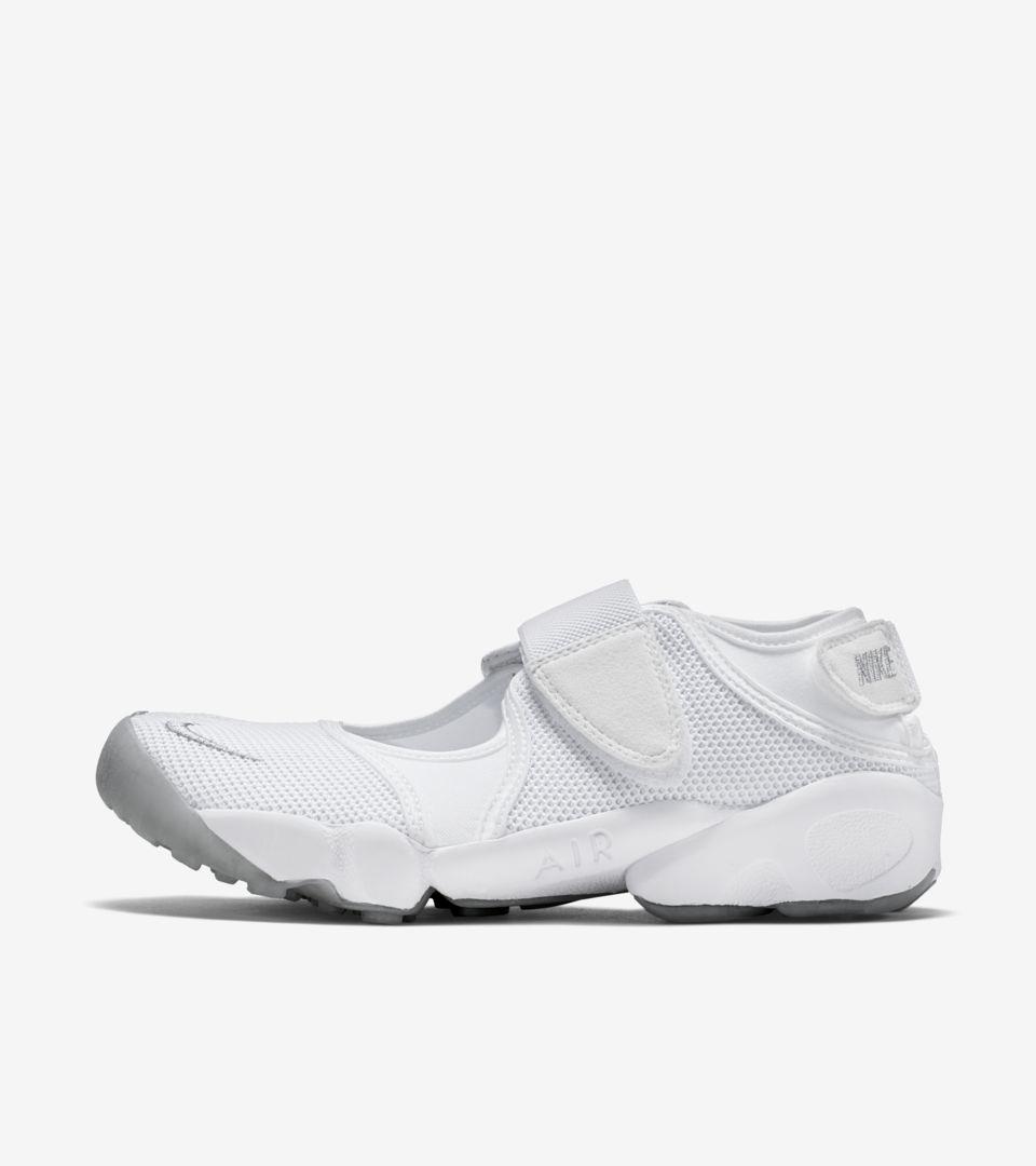 Nike Air Rift 'Triple White'. Nike SNKRS