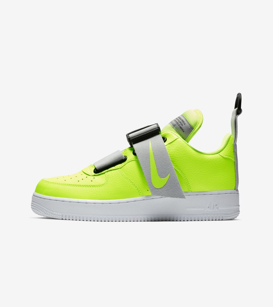 Ashley Furman Gruñón Juicio  Air Force 1 Utility 'Volt & Black & White' Release Date. Nike SNKRS  DK