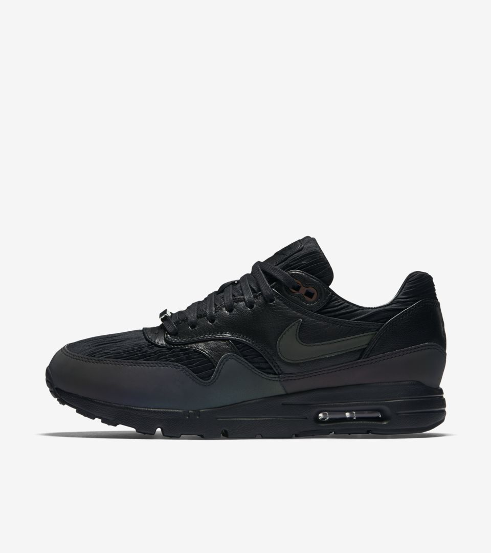 WMNS NIKECOURT AIR MAX 1 ULTRA