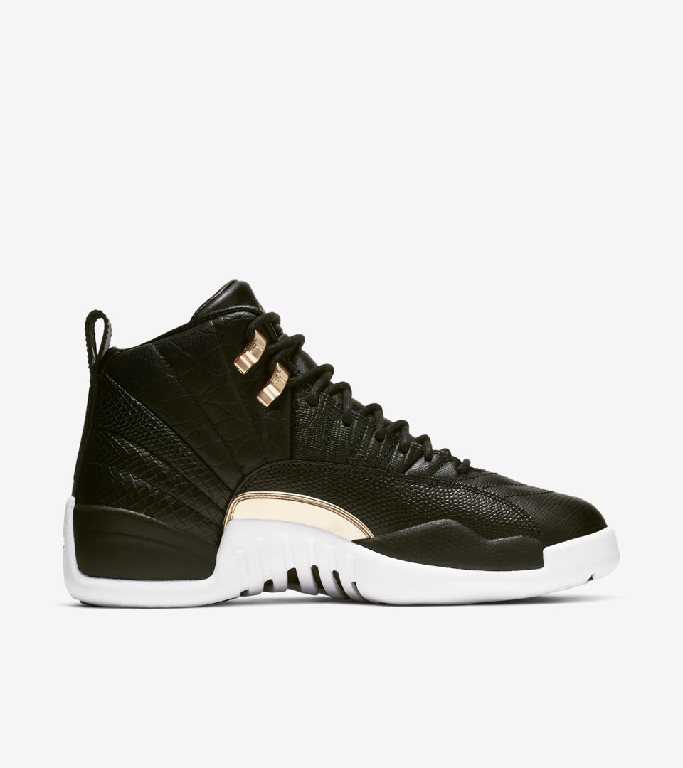 detailed look 2ca3b dc7c7 Women s Air Jordan 12  Midnight Black  ...