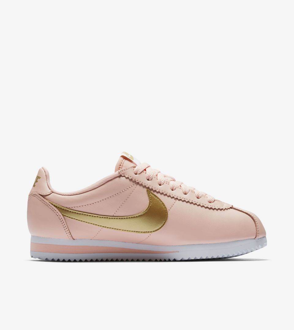 watch 56491 76bd8 Women's Nike Classic Cortez 'Arctic Orange & Metallic Gold ...