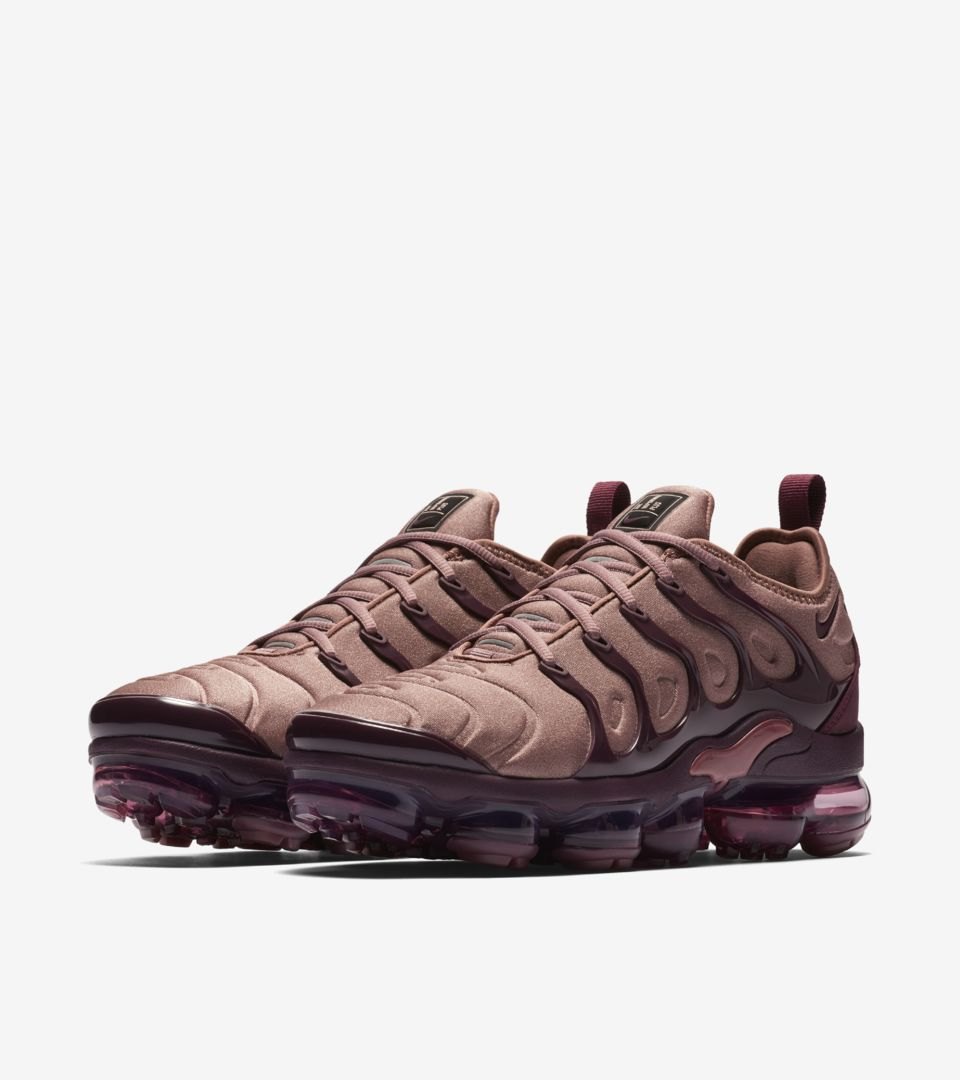 4c900a4a381 Women s Air Vapormax Plus  Smokey Mauve   Bordeaux  Release Date ...