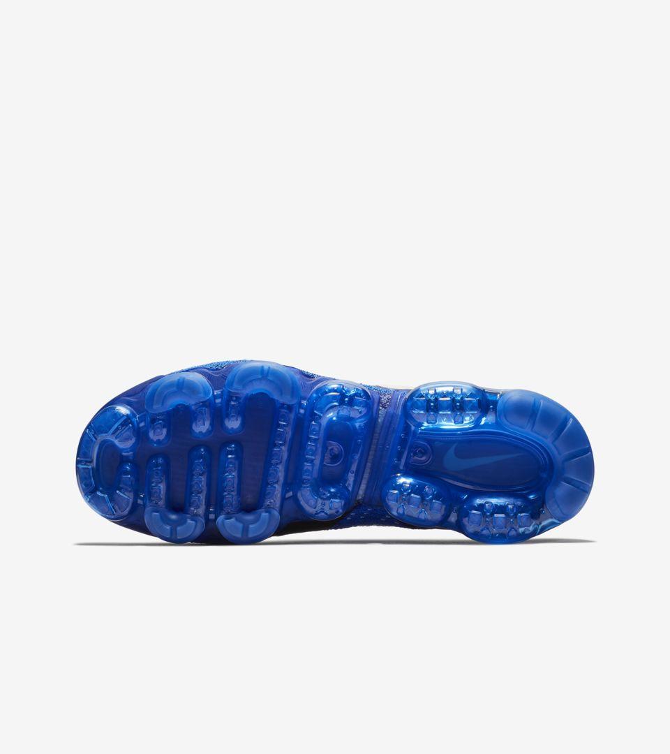 Nike Air Vapormax Flyknit 2  Light Cream   Racer Blue  Release Date. Nike+  SNKRS eecb5d5a8