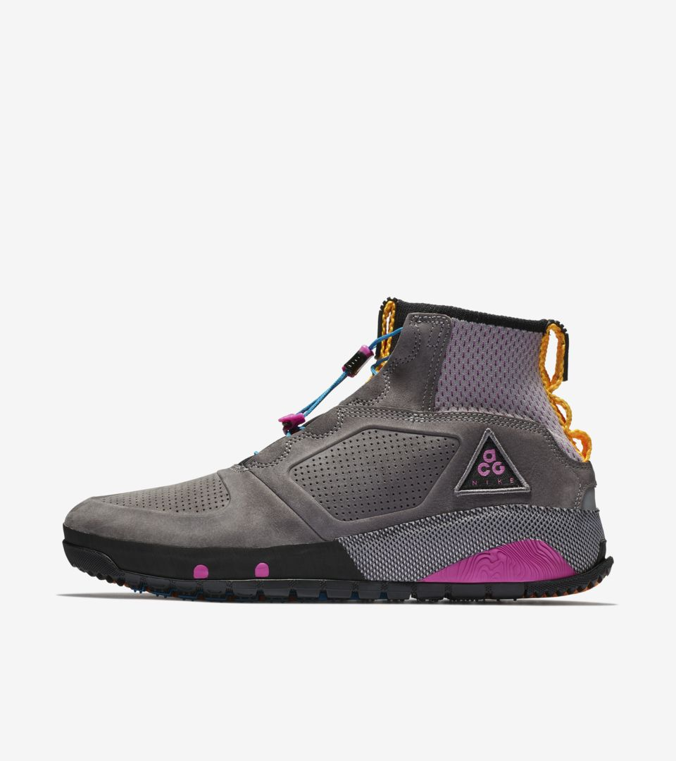 Nike ACG Ruckel Ridge  Gunsmoke   Atmosphere Grey  Release Date ... e145d7b42