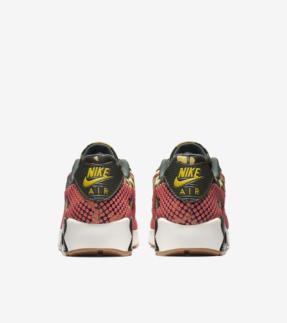 size 40 cf531 ae398 Women s Nike Air Max 90  Jacquard Camo . Nike+ SNKRS