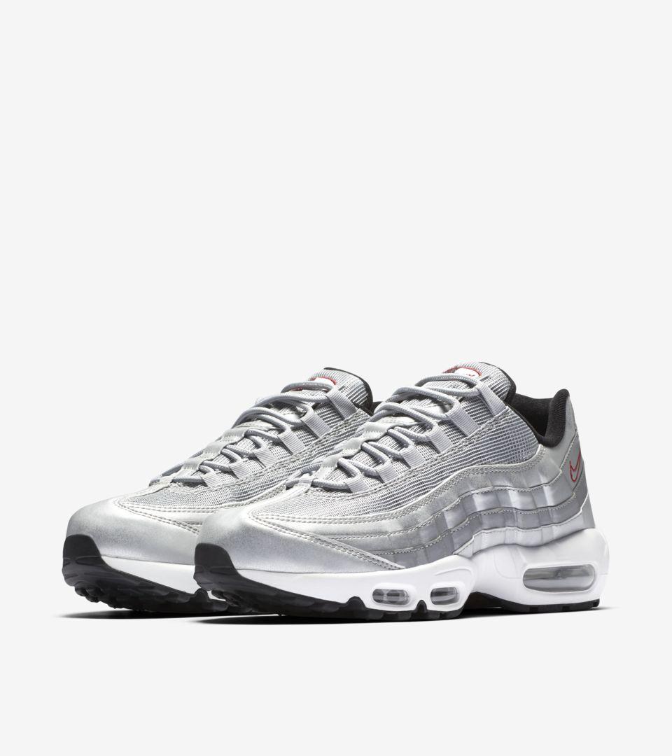Nike Air Max 95 Premium 'Metallic Silver'. Nike SNKRS