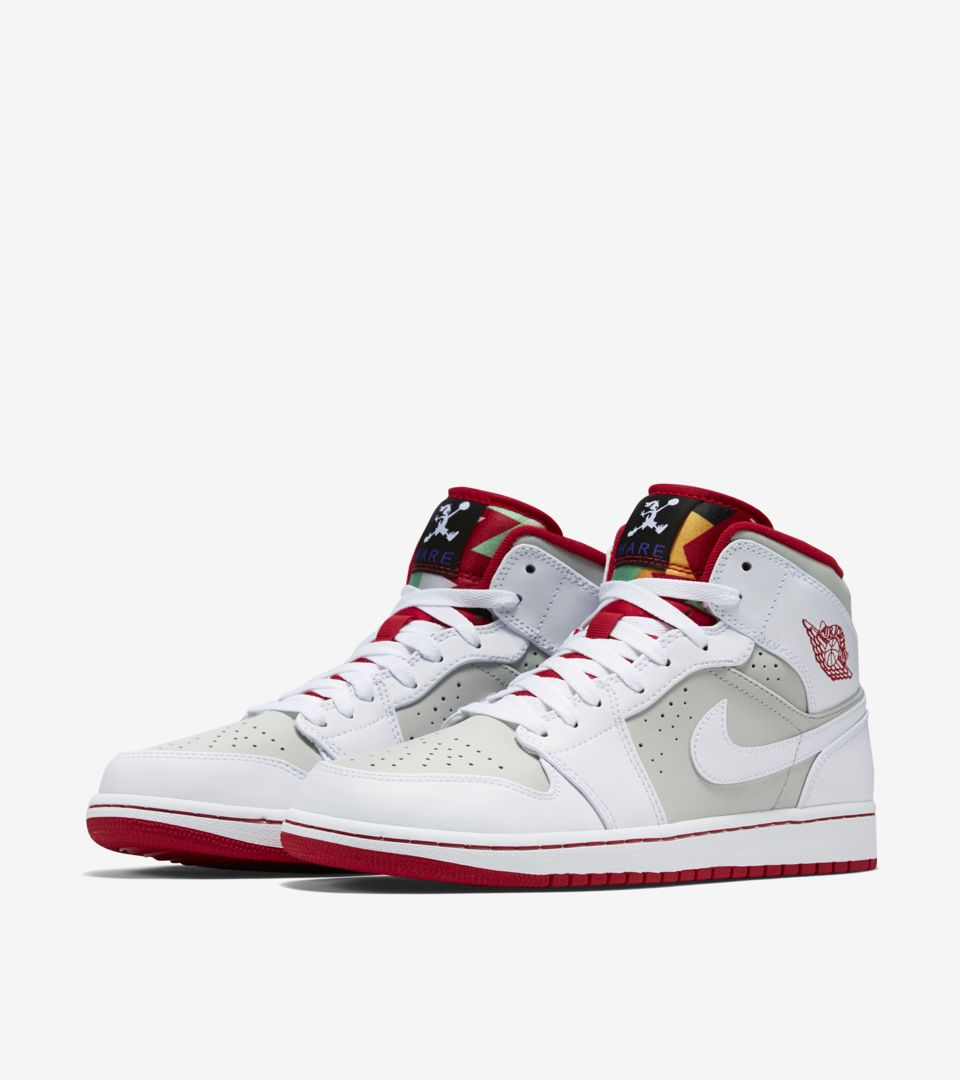 large discount quality a few days away Air Jordan 1 Retro Mid 'Hare'. Nike SNEAKRS GB