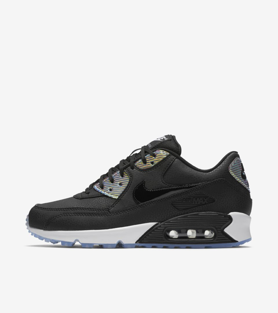 Women's Nike Air Max 90 'Golden Touch'. Nike SNKRS