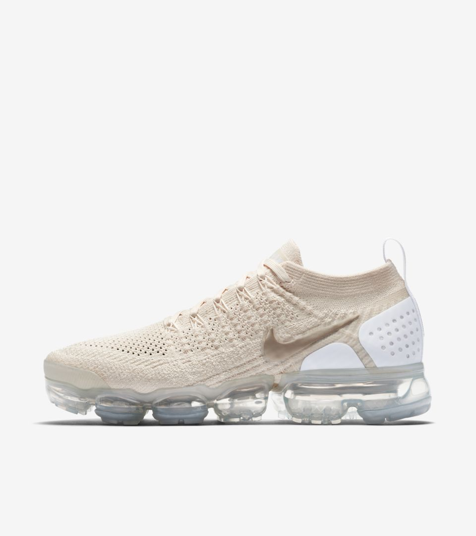 a00367f823 Nike Womens Air Vapormax 2 'Light Cream & Metallic Gold Star ...