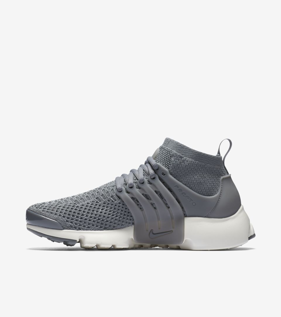 WMNS AIR PRESTO FLYKNIT ULTRA