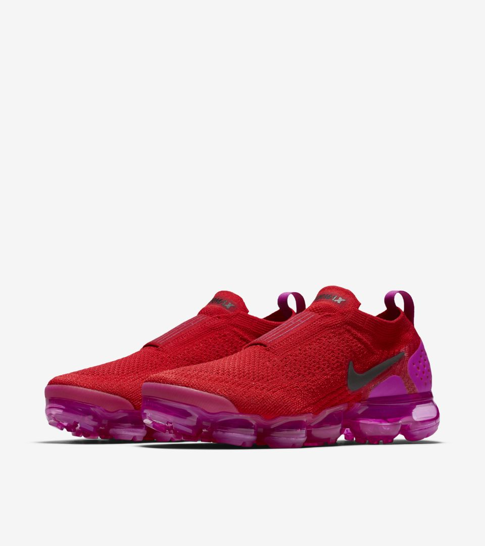 a0c885a1000 Nike Women s Air Vapormax Moc 2  University Red   Fuchsia Blast ...