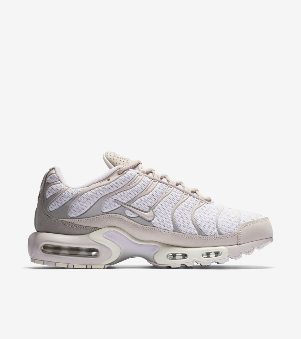 competitive price 453b2 3182f Nike Air Max Plus  Pearl Pink . Nike+ SNKRS