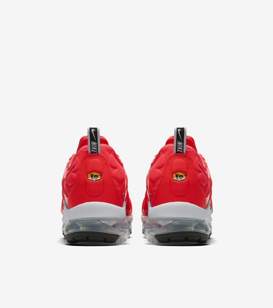 d5a7fb676bfe ... Release Date Nike Air Vapormax Plus  Bright Crimson   White   Black  ...