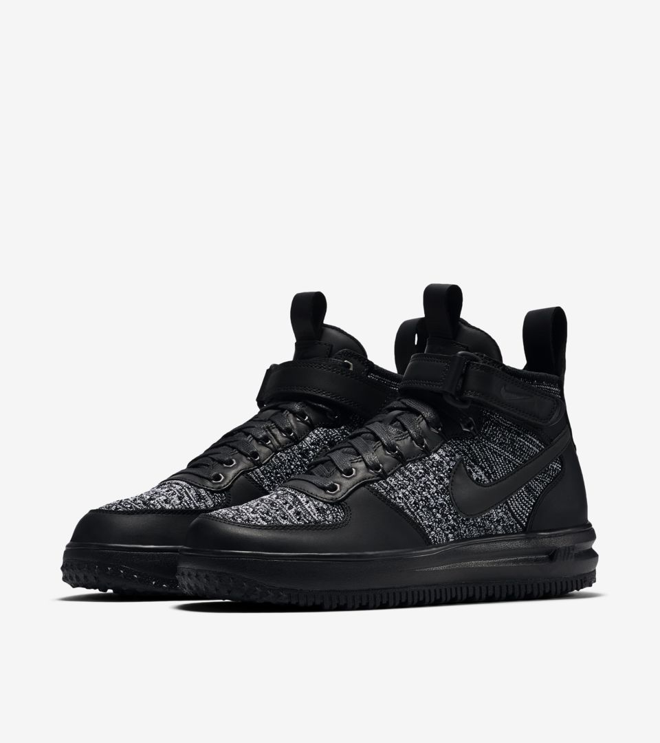 WMNS LUNAR FORCE 1 FLYKNIT WORKBOOT