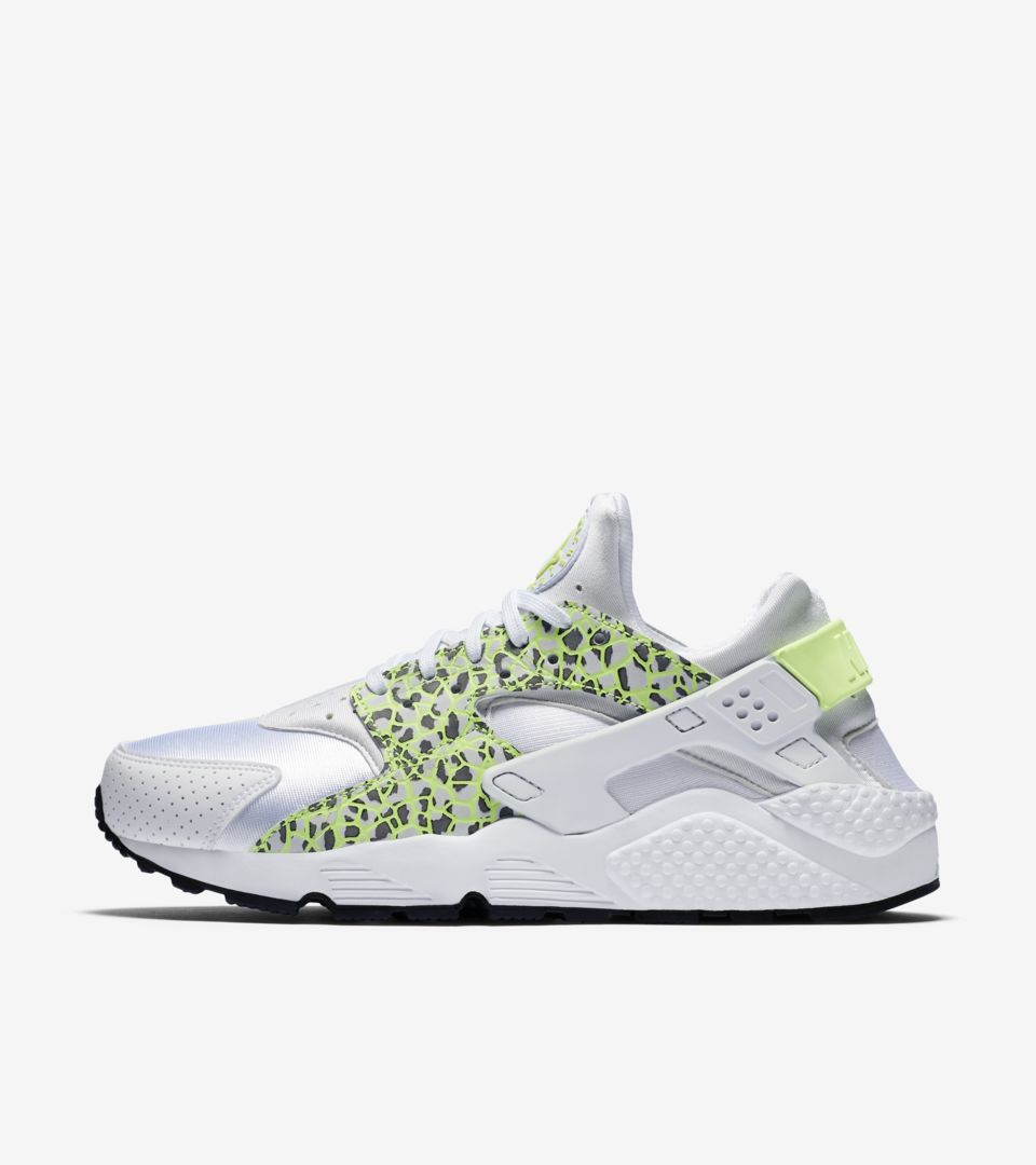 6b072ed2662b Women s Nike Air Huarache Run  Ghost Green . Nike+ SNKRS
