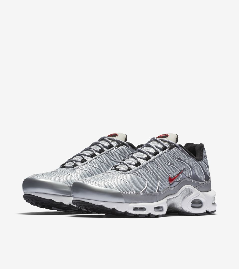 cheaper 7023b 5a0a8 Nike Air Max Plus 'Metallic Silver'. Nike⁠+ SNKRS