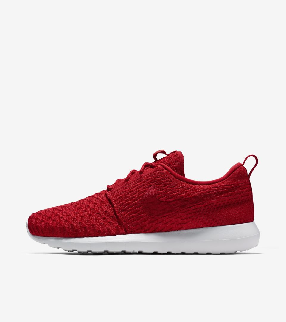 Nike Roshe NM Flyknit  University Red . Nike⁠+ SNKRS fe49878f98ba